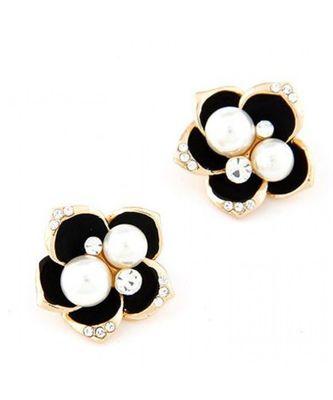 Black Flower Pearl Stud Earrings
