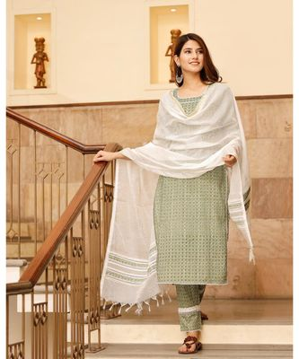 Summer green motif print cotton kurta set with doria dupatta