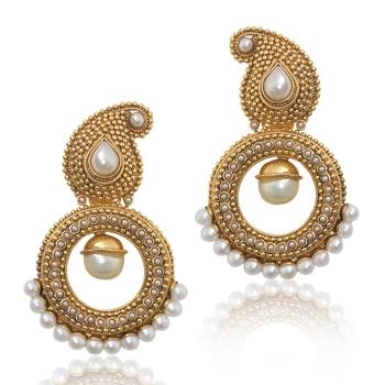 Paisley Pearl Golden Polki Earring PSEAZ014WH