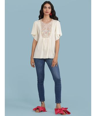 Round Embroidered Neck Short Sleeve Top