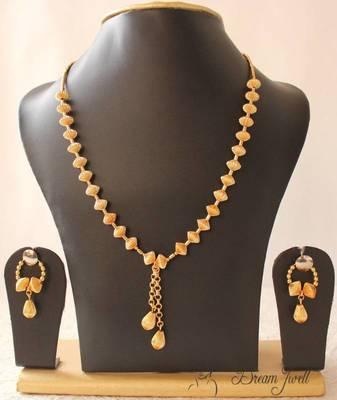 GORGEOUS GOLD TONE UNIQUE DESIGN GOLDEN BALLS TRENDY FASHION JEWEL SET