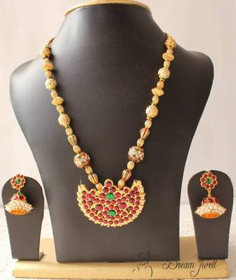 Lovely Kemp Temple Necklace Set