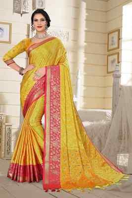 Light Lemon Jacquard Woven Kanchipuram / Kanjivaram Silk Sarees With Blouse Piece
