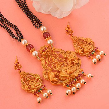 Golden south-indian-temple jewellery set