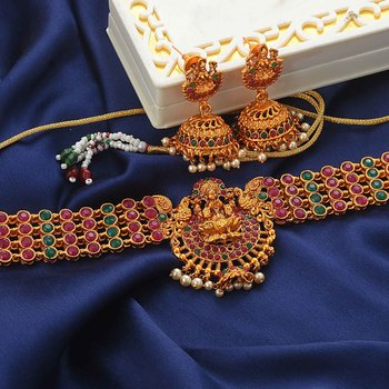 Traditional South-Indian-Temple-Jewellery Choker Set