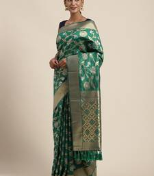 VASTRANAND Green & Gold-Toned Silk Blend Woven Design Banarasi Saree