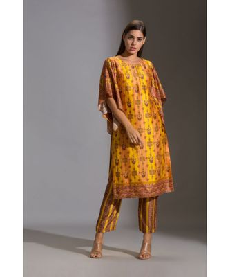 kurta with side slit and bell sleeves paired with printed pants