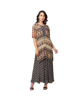 printed flared jumpsuit is paired with printed jacket with front tie ups and side slit