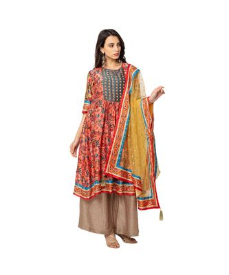 front pleated kurta with flare is paired with flared pants and net dupatta