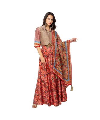 collared blouse with lehenga is paired with organza dupatta