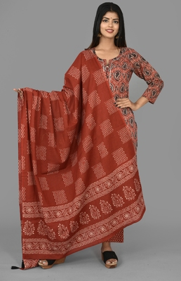 KAAJH Red Paisley Printed Cotton Suit Set