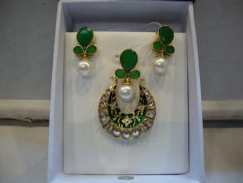 Design no. 18B.1384....Rs. 1650