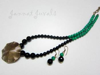 Green and Black onyx pendant necklace set