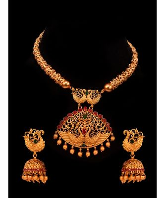 Gorgeous Golden Hasli Set adorned with Pink Kemp Stone