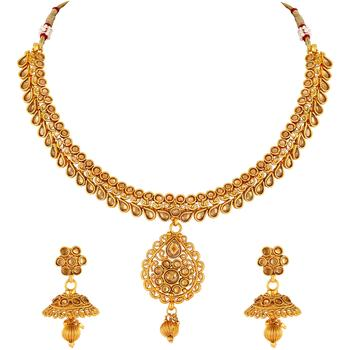 Traditional Pear Shape Gold toned Choker Necklace Set For Women