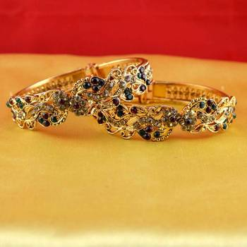 gold platted bangles with adjustable size