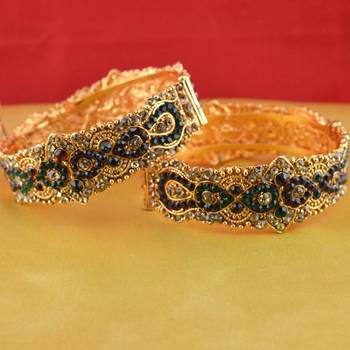 gold platted bangles size-2.8