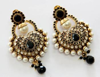 ANTIQUE GOLD PLATED BLACK N WHITE PEARLS HANGINGS