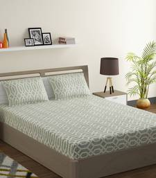 Cotton Blend 120 TC Geometric Fitted Double Bed Sheet with 2 Pillow Covers  Sea Green Off White