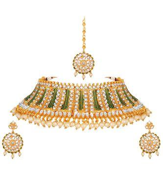 Wedding wear Kundan Pearl Studded Gold toned Choker Necklace Set with Mangtikka