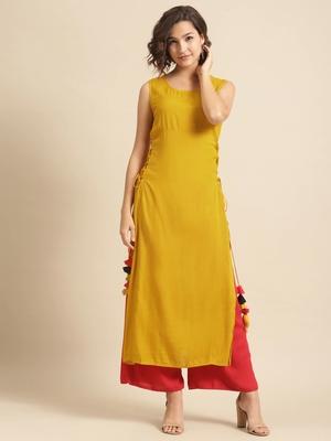 Divawalk Solid A-Line kurta with tassel details