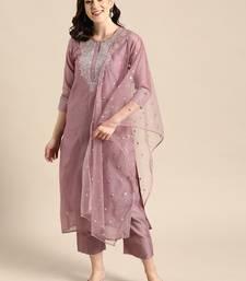 Women Mauve Zari Yoke Design Chanderi Silk Kurta With Trousers & Dupatta
