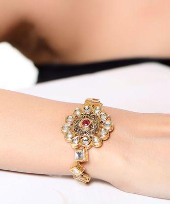 Gorgeous floral Kundan bracelet