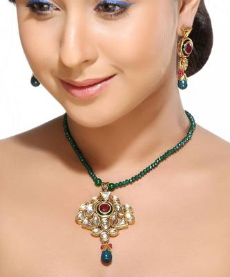 Kundans Ruby Pendant Set with Emerald beads