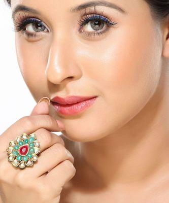 Good looking Emeralds & Ruby Kundan Ring