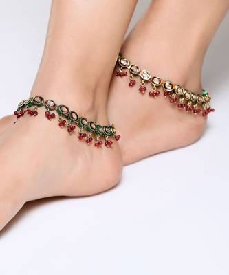 Beautiful pair of kundan anklets