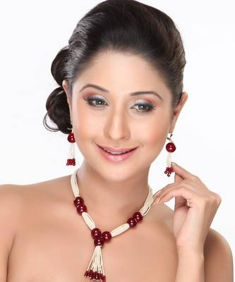 Red Onyx Beads with White Pearl Necklace set