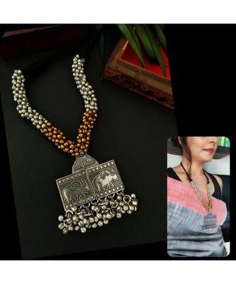 Dual tone Necklace set in Black Tassel