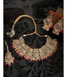 Ethnic Bridal Gold Plated Stone And Pearl Pink Choker With Earring Maangtika