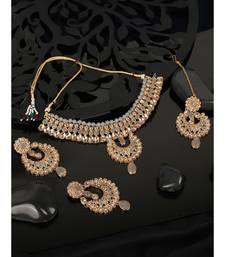 Ethnic Bridal Gold Plated Stone And Pearl Choker With Earring Maangtika
