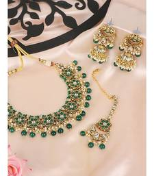 Ethnic Bridal Gold Plated Green Stone And Pearl Choker With Earring Maangtika
