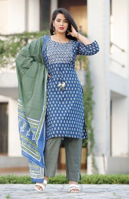 AL-AHAD Traditional Designer A-Line Rayon Kurti With Pant & Printed Dupatta Set.
