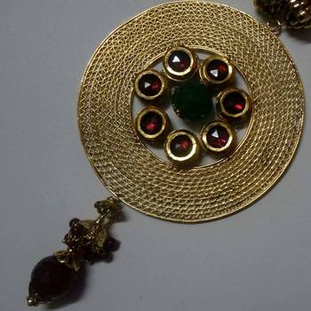 Stylish necklace in filigree work with beads chain
