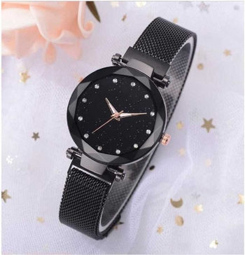 Stylish magnet belt watch for womens