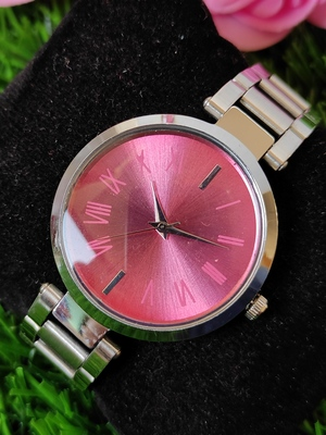 Sizzling new design stylish watch for Girls