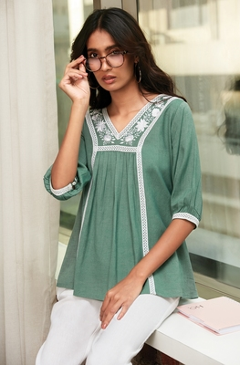 Green embroidered blended cotton cotton-tops