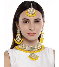 Yellow beaded_jewellery Yellow Gold Alloy   Necklace   with Pair of Earring   Maang Tikka