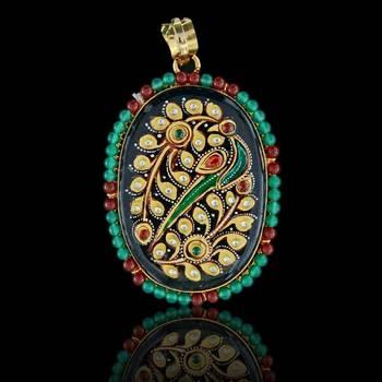 Oval Leaf Art Tanjore Pendant