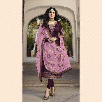 Fasdhion Kreza Women's Embroidered Salwar Suit With Dupatta