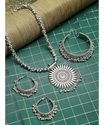 Silver silver plated Silver Alloy  Necklace WITH EARRINGS