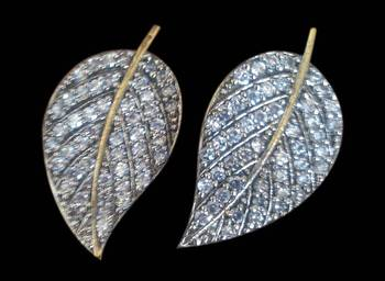 Pair of filigree leaf pierced earrings