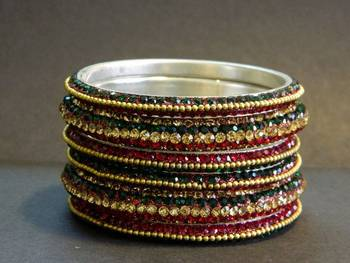 Glittering Green/Red Crystal Bangle