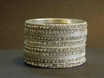 Indian bollywod brida Bangle