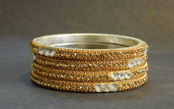 New fashion sparkly and bright Bangle SIZE 2.8