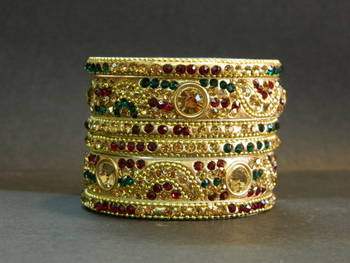 Indian handmade bridal Bangles in RED Green