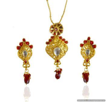 Kshitij Pristine gold pendants
